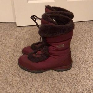 The North Face Burgundy Nuptse Fur winter boots 10